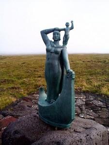 24-Islandia