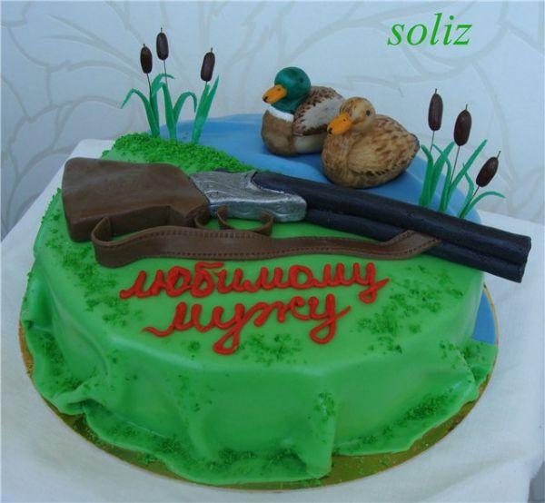 Охотничье ружьё с охотником из мастики фото торт
