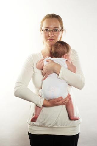 Как носить столбиком ребенка
