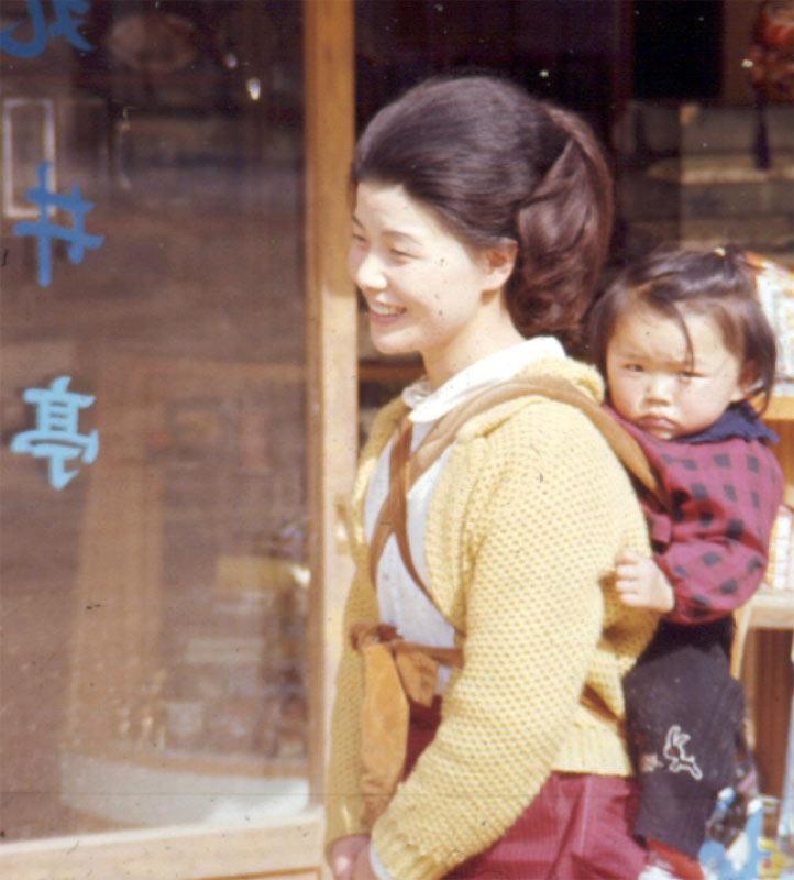 японский сын и мама